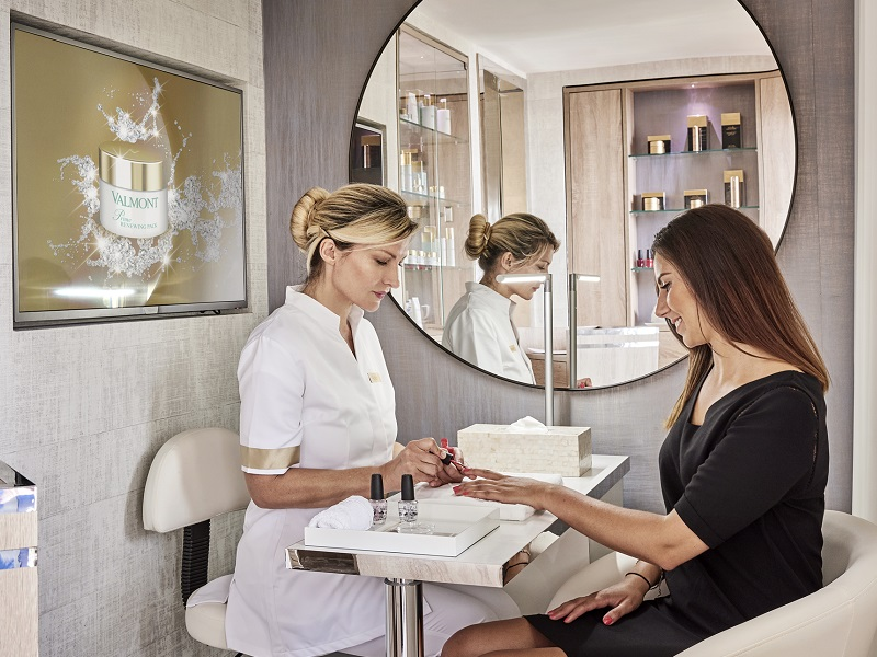 Discover the New Beauty Corner by Valmont at the Belles Rives!