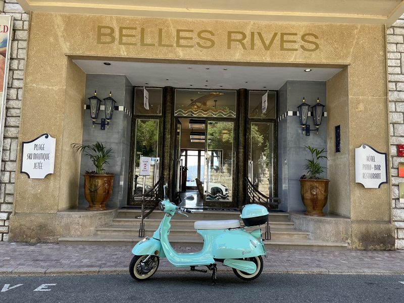 La Dolce Vita…but Green! With our Electric Scooters!